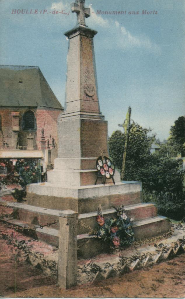 HOULLE LE MONUMENT AUX MORTS