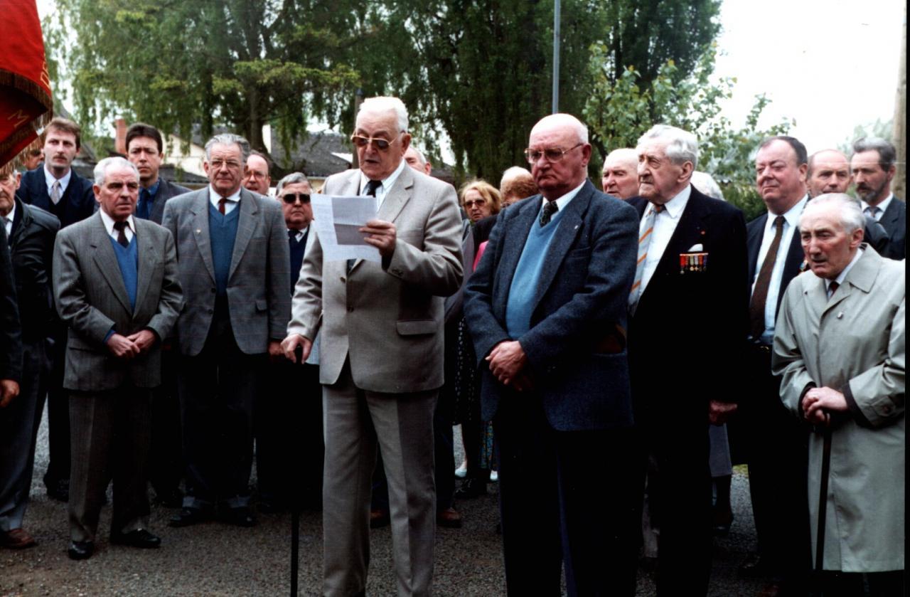 Houlle Monument vincq mai 1993